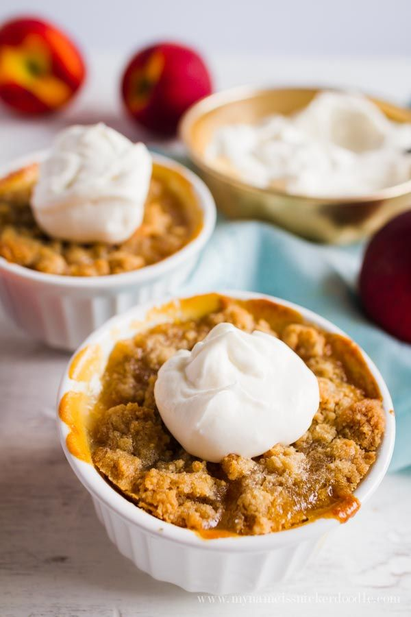 Mini Peach Crisps recipe. SO GOOD! You'll love this family favorite peach crisp recipe, love the mini size for individual portion peach crisps, mm!