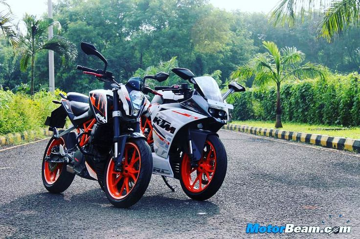 Your kind of bike? #KTM #Duke 390 or #RC390? #MotorBeam #India #garage #power…