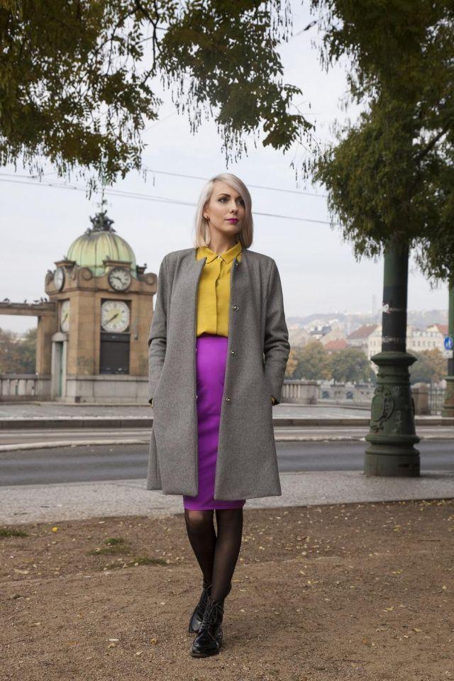 Super outfit na pracovní schůzku. Vlněný kabát a softshellová sukně jsou z Kayiny kolekce