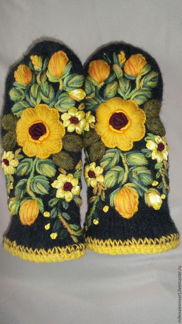 Купить Варежки с объемной вышивкой Роза Чайная - варежки с вышивкой, объемная вышивка, дизайнерские варежки
