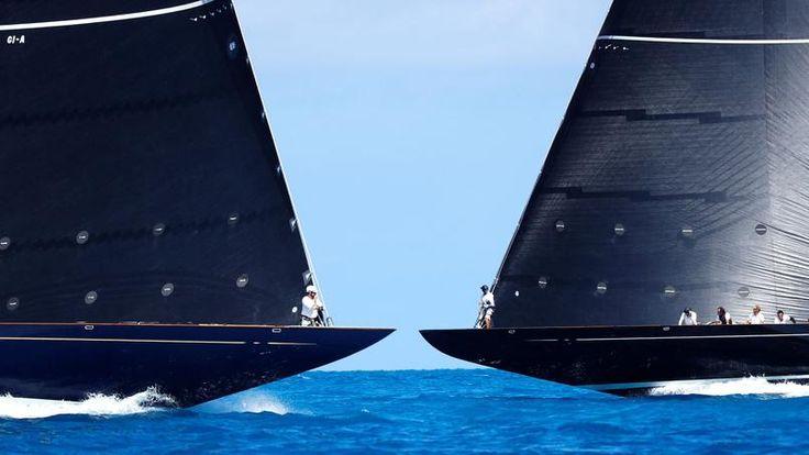 Vähe või vibu.  Optiline illusioon on täiuslik ja viitab sellele, et need kaks ilusat jahid klassi J kes rassi Bermuda osana finaalis Ameerika Cup, mis suurendaks üksteist paar sekundit.  Aga manöövreid nende Vormel 1 merele on kellasseppade täpsusega.  9. ja viimane sõit, Uus-Meremaa paadi Ühendemiraadid Team New Zealand võitis 35. väljaanne legendaarse juhul loodud aastal 1851, ees kaitsta Ameerika pealkiri Oracle Team USA.  Isikliku triumf Uus-Meremaa roolimees Peter nopete sai, 26…