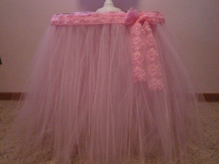 Tutorial - how to make a tulle table skirt