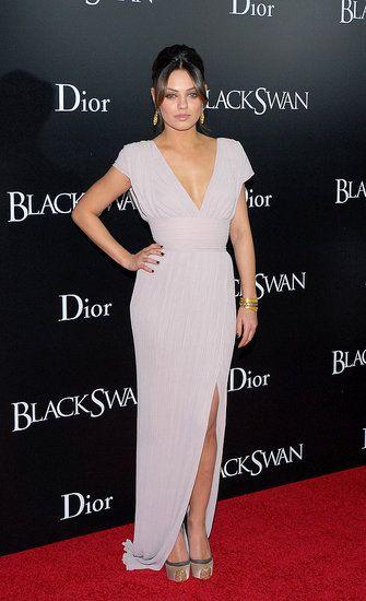 Mila Kunis Style Profile: Modern, feminine in Elie Saab for Black Swan's NYC premiere.