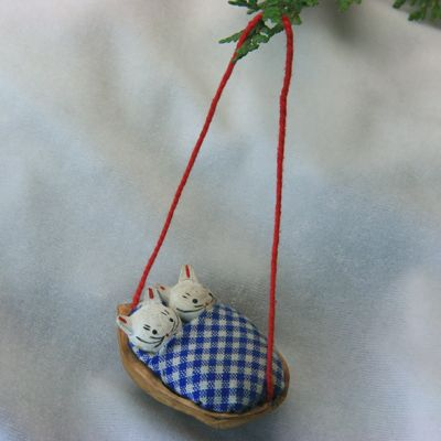 walnut crafts | How to Crack Walnuts in Half for Dollhouse Miniatures and Christmas ...
