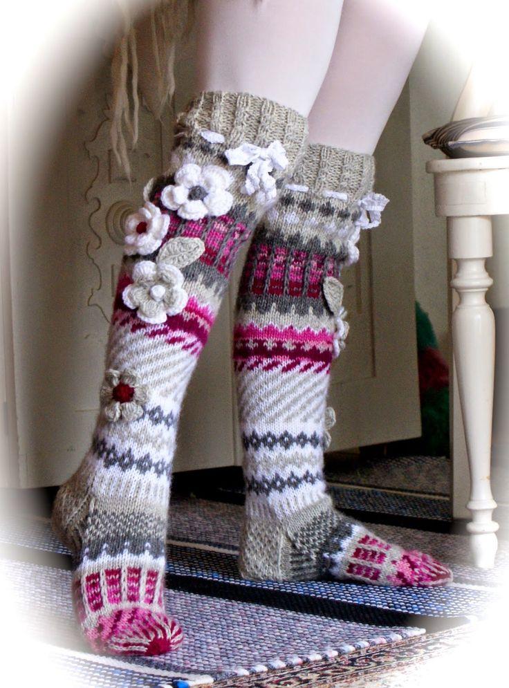 Ankortit: Sukkia -kukkaisia sukkia