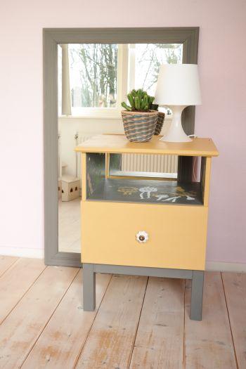 #Ikea #Tarva #miacolore #tuscanyfields #spiegel #krijtverf #diy #verven #nachtkastje #kinderen #kids #interior #creatief #creative