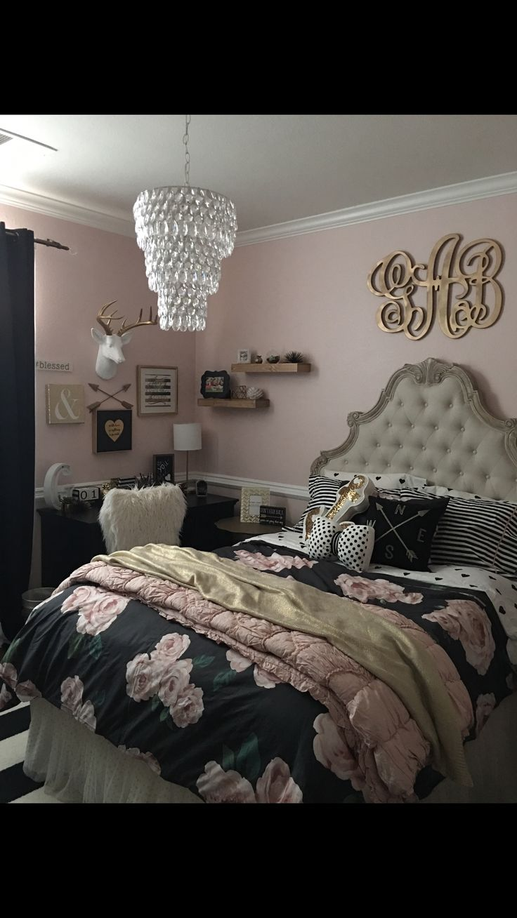 Tween Teen Girls Bedroom Decor Pottery Barn Rustic Blush Black Stripped Rug  Monogram Antlers Collage Shelves