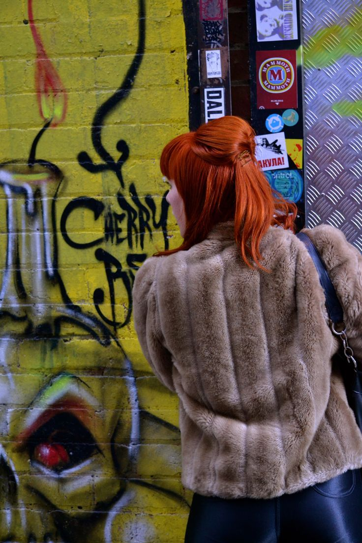 Melbourne street fashion and alleyway art
