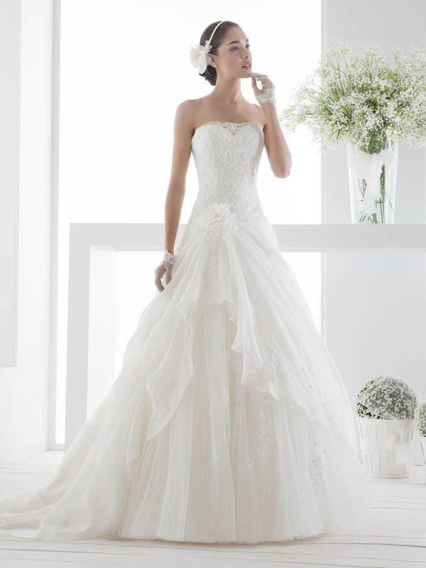 34 best Hochzeitskleider images on Pinterest   Wedding frocks ...