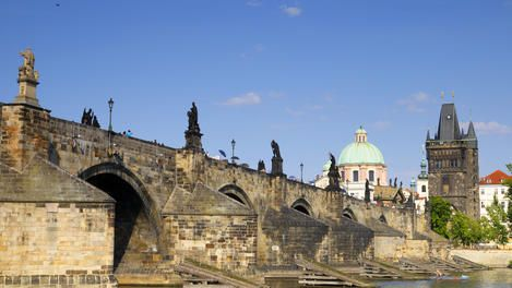Lonely Planet - one and two day itineraries for Prague.