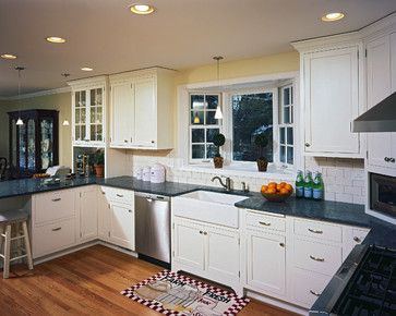 traditional kitchen peninsula raised ranch kitchen design ideas pictures remodel and decor - Raised Ranch Kitchen Remodel