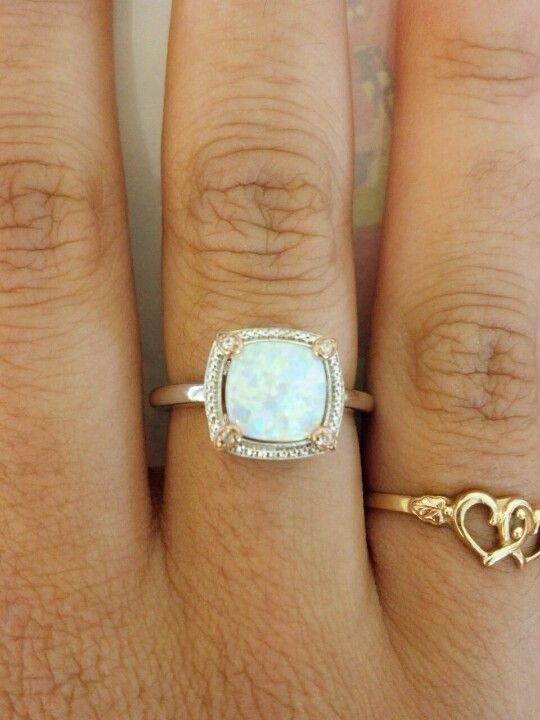 Amazing opal ring