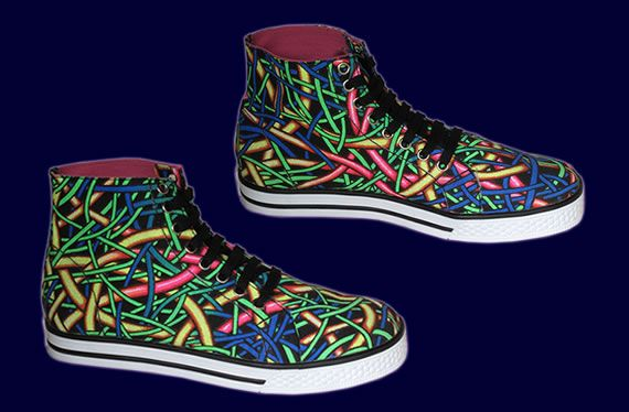 SpaceTribe Allstars  : Fully Wired http://www.spacetribe.com/shop/accessories-footwear-c-158_287.html
