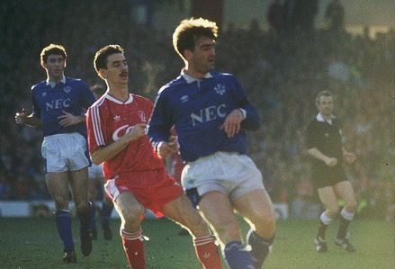 Liverpool 2 Everton 1 in Feb 1990 at Anfield. Ian Rush and Kevin Ratcliffe in the Merseyside Derby #Div1