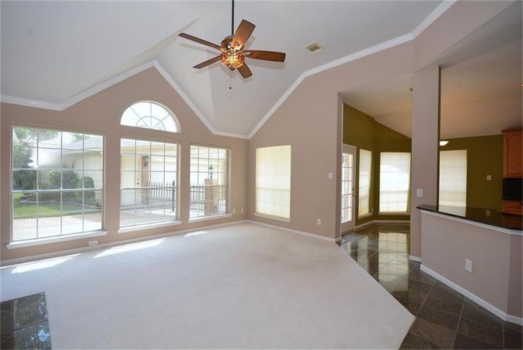 Do People Put Crown Molding On Vaulted Ceilings Google Search Crown Molding Vaulted Ceiling