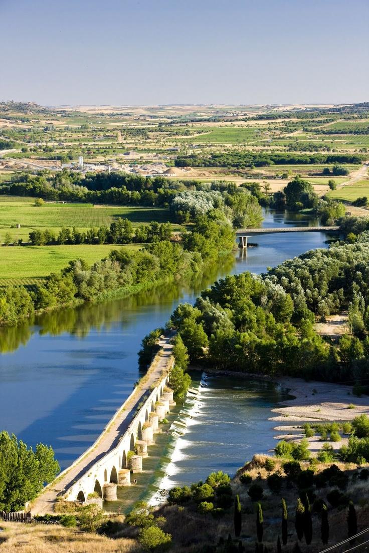 Puente romano en Toro Zamora Castilla y Leon ESPAÑA