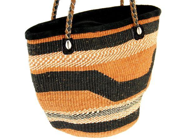 Hit na lato prosto z Kenii ;) Pleciona torebka z włókna sizalowego.
