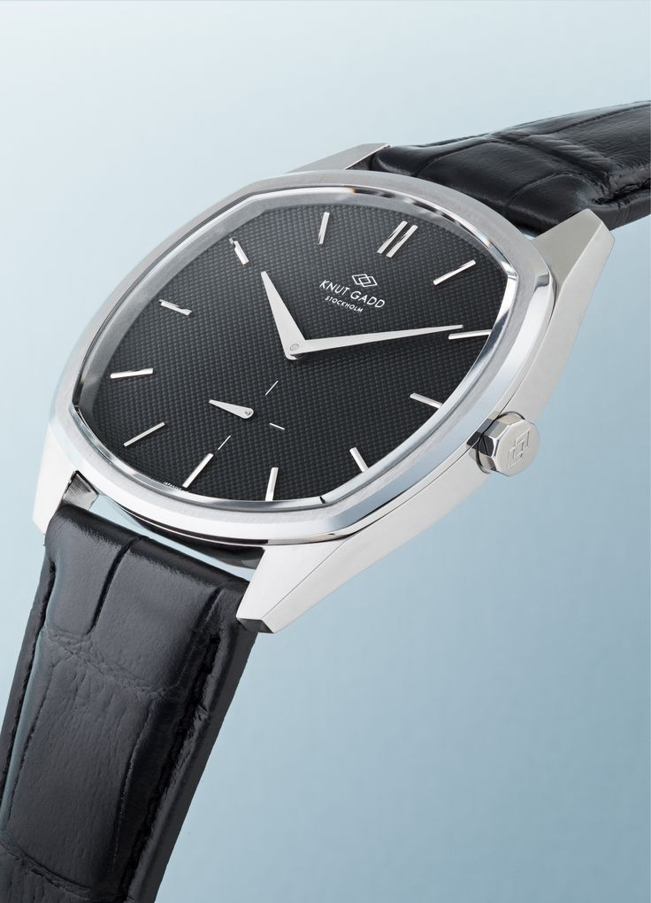#knutgadd #knutgaddstockholm #watches #blackleather #leather #blackwatch #fashion #wristwatch  #wristband #style