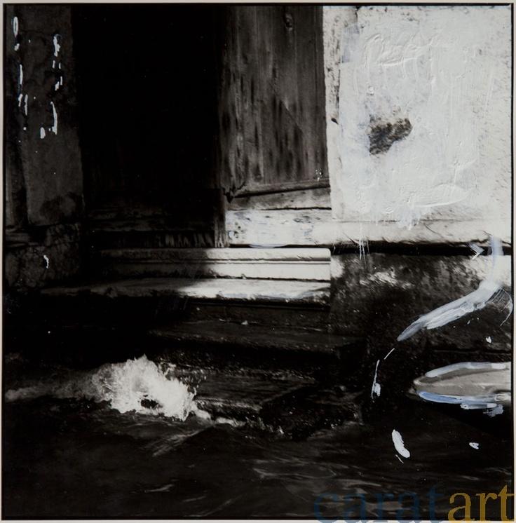 Elis Hoymann, Venedig, Übermalung 3, Fotografie mit der analogen Mittelformatkamera, schwarz/weiß, vergrößert auf Baryt-Papier und übermalt mit Acryl, 18 x 18 cm, 2001 / 2012, 340 €