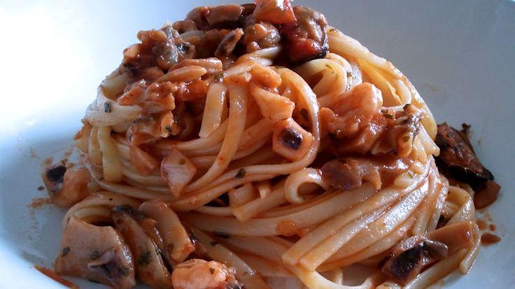 Come preparare Linguine ai frutti di mare col Bimby della Vorwerk, impara a preparare deliziosi piatti con le nostre ricette bimby