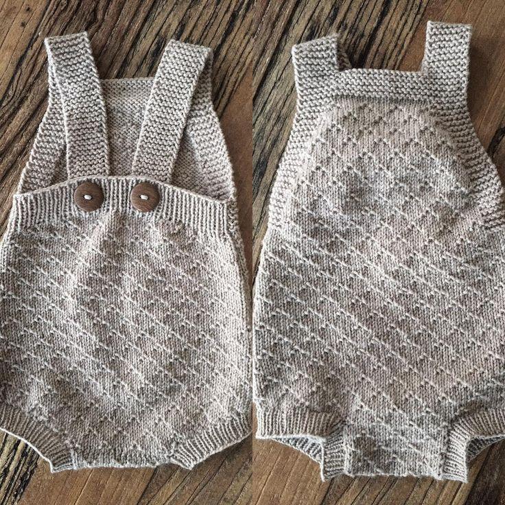 Babydrakt (Den Store Guttestrikkboka)