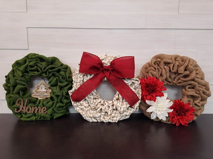 Small Holiday Wreaths. . . #goldenforrest #goldenforrestcreations #burlapwreath #burlap #wreath #red #green #chevron #ribbon #home #ribbon #bow #flowers #tree #christmastree #wreathideas #doordecor #seaonsaldecor #holidaydecor #christmasdecor