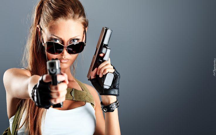 230883_dziewczyna_bron_pistolety.jpg (1920×1200)