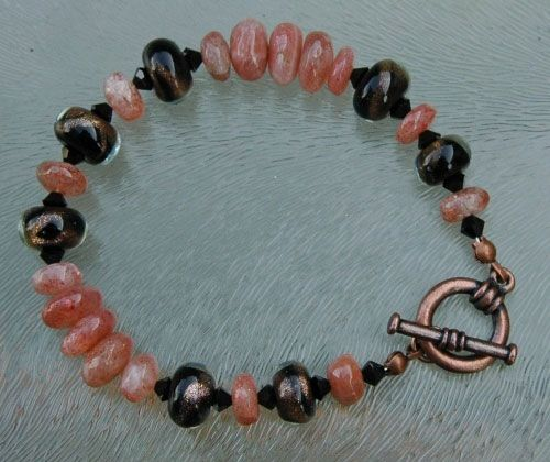 Kupferarmband mit Sonnenstein Perlen - Copper bracelet with sunstone beads
