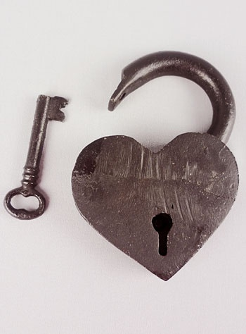 Heart and key padlock, I would even just love a picture of this $35 #key