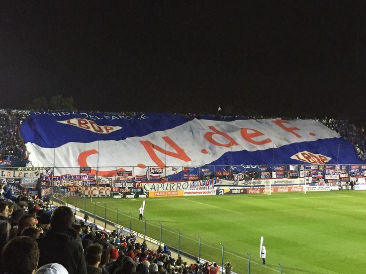 Bandera en la tribuna Abdon Porte estadio Gran Parque Central