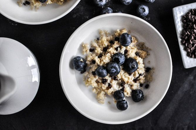 chocolate chip blueberry breakfast quinoa: Chocolate Chips, Chocolates Chips, Blueberries Quinoa, Breakfast Quinoa, Blueberry Breakfast, Breakfast Recipes, Quinoa Recipes, Chips Blueberries, Blueberries Breakfast