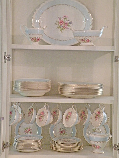 why do they not make pretty dishes like this anymore?