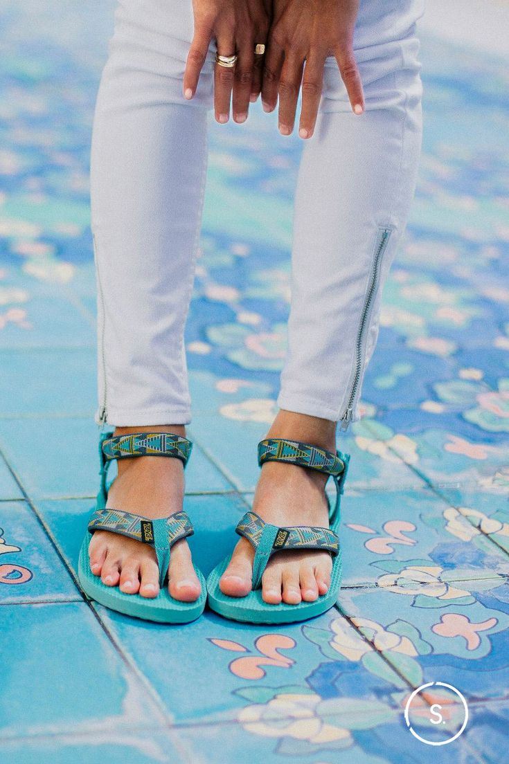 The Teva Original: that water-friendly summer favorite made for sun-baked shores. Go bright with a pair in Old Lake Lizard Lake Blue, available on SHOES.com now.