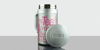TravelTea Sport Fuchsia Mug térmico de diseño exclusivo Tea Shop, para que puedas llevar tu té contigo a todas partes. Mantiene la temperatura más de 12 horas. La forma más práctica de disfrutar de tu té favorito.