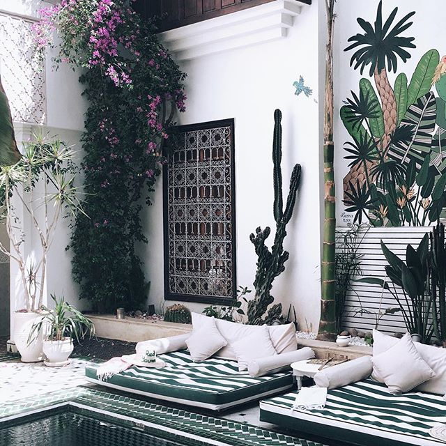 The most beautiful inneryard in Marrakech? 🌿Probably @leriadyasmine 🌿 Thank you so much sweet Alice for hosting us our last night in wonderful Marrakech ❤️️ #mumbaistockholmtravels #leriadyasmine #marrakech #riad