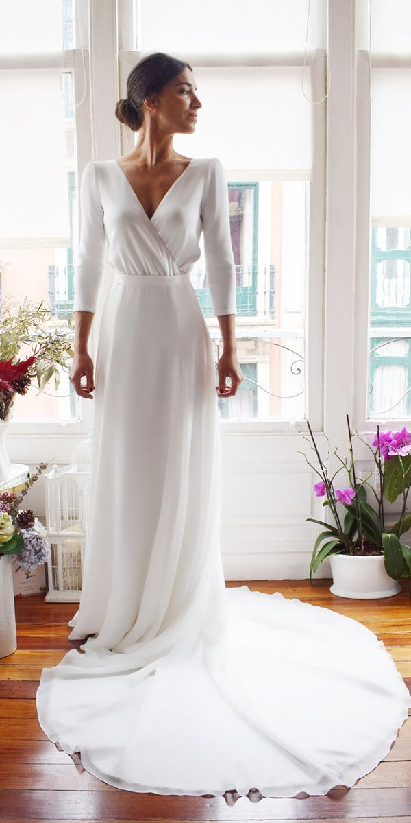 18 Of The Most Graceful Simple Wedding Dresses With Sleeves