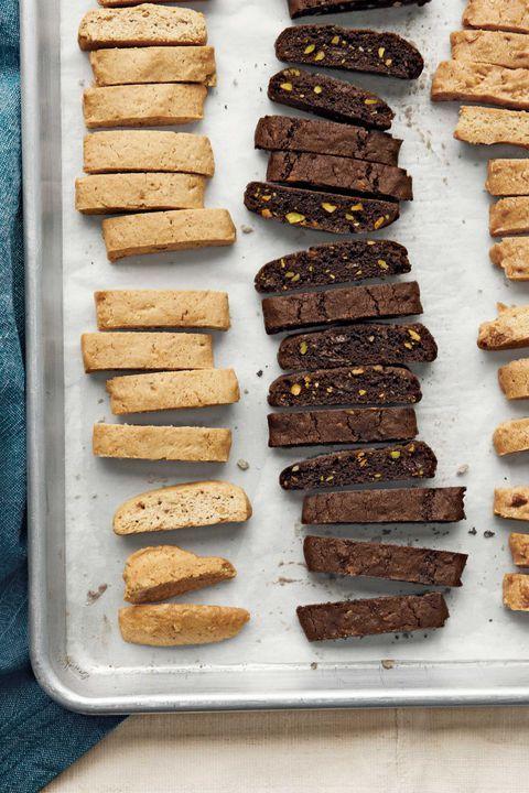 70 Christmas Cookie Recipes Santa Won\u0027t Be Able to Resist Moms sh