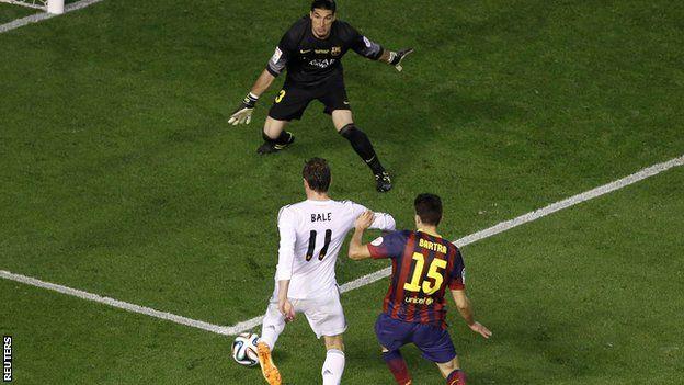 Real Madrid v Barcelona : Gareth Bale scores a wonder goal in the 2014 Copa del Rey.