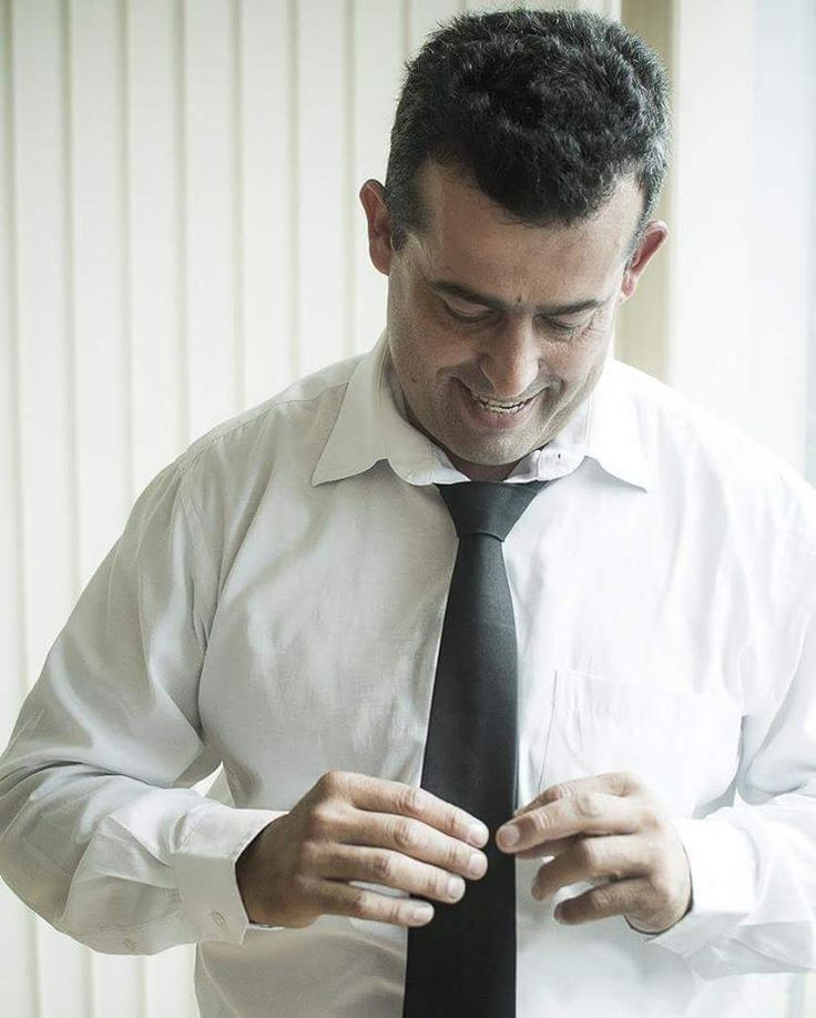 Making Of do noivo... #hardphotographia #hard2017 #casamento #noiva #noivo #vestidodenoiva #vestido #wedding #weddingispiration  #love #bota #hair #bridalhair #weddings #countrywedding #bride #nicejob #makingof #bridal #loveit #lovely #countrystyle #passion #building #dress #bridaldress #country http://gelinshop.com/ipost/1523155819822521308/?code=BUjViXqFxvc
