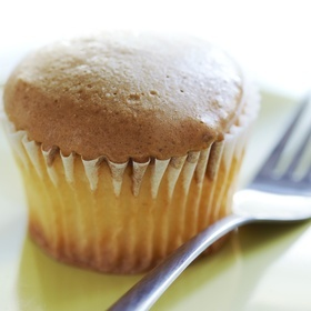 Instant cupcake icing trick: melted marshmallows!