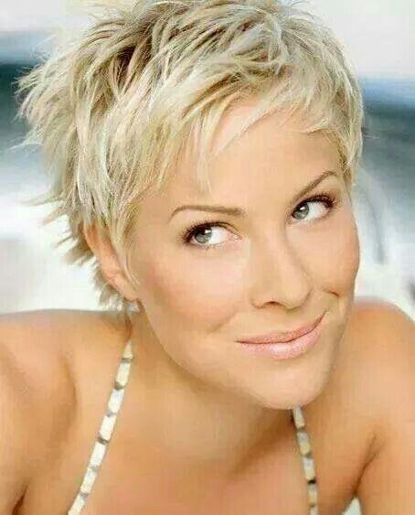 Cute short platinum blonde cut!