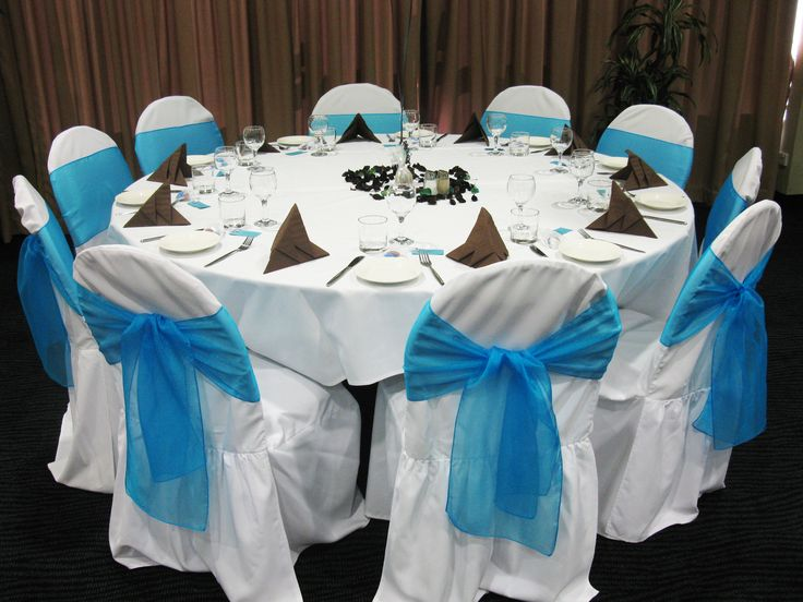 Blue & Brown table setting