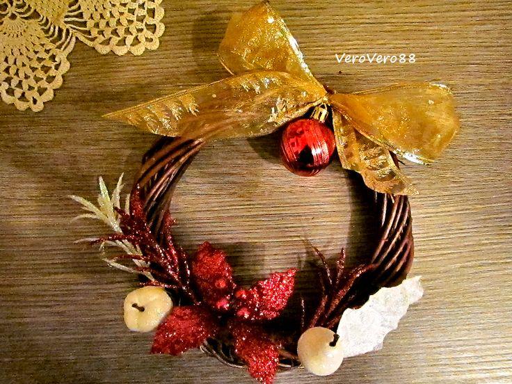 GHIRLANDE di NATALE - CHRISTMAS WREATH  #natale christmas #bow #branch #creatività #creativity #decorations #decorazioni #DIY #fiocco #ghirlanda #handcrafted #handmade #legno #market #mercatino #rametti #wood #wreath #VeroVero88
