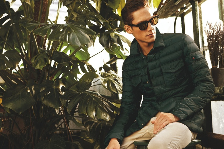 Photographer Alvaro Beamud Cortes captures spring's relaxed elegance in the season's new advertising campaign featuring modelRoch Barbot.