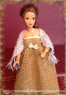 "6"" fashion doll  http://minnasdollhouses.blogspot.fi/2013/03/crocheted-shawl-virkattu-huivi.html"