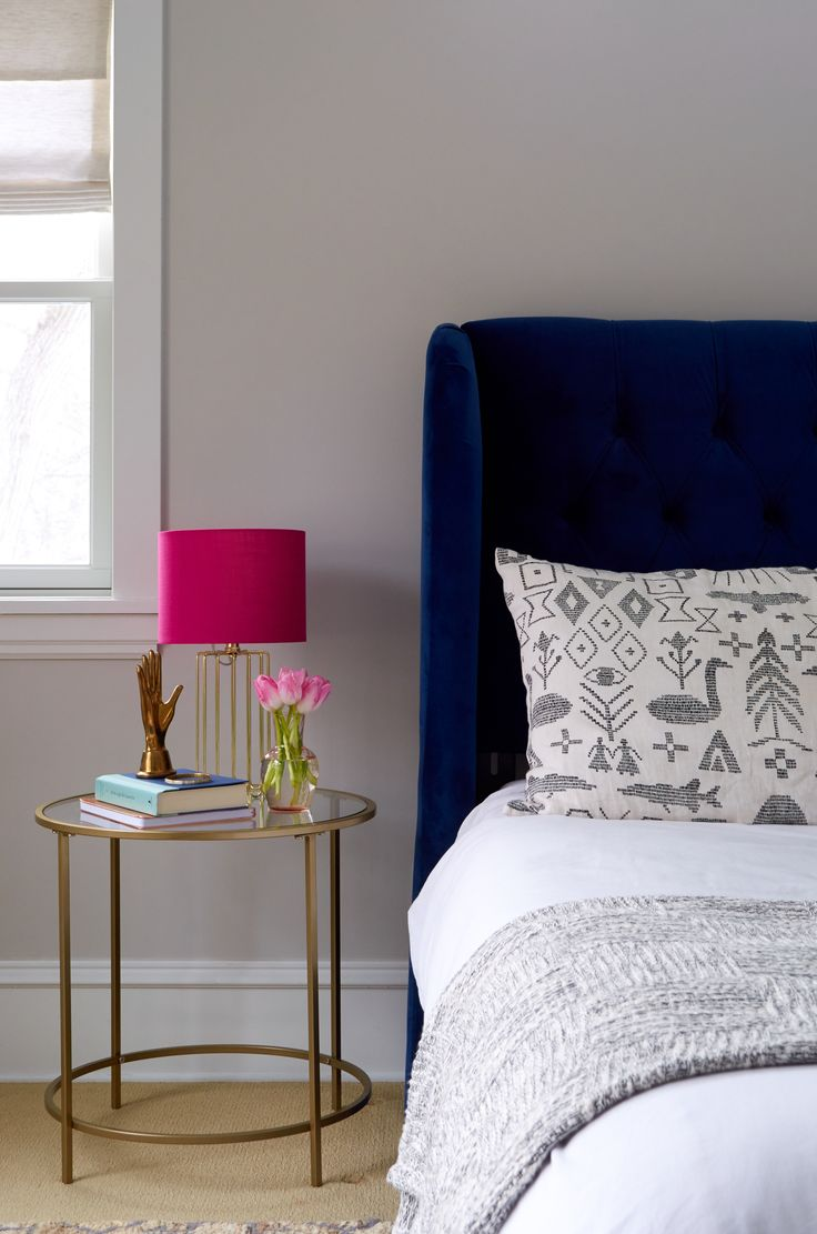 The perfect nightstand should be the right height. It's just one of the many tips on selecting your new glam piece.