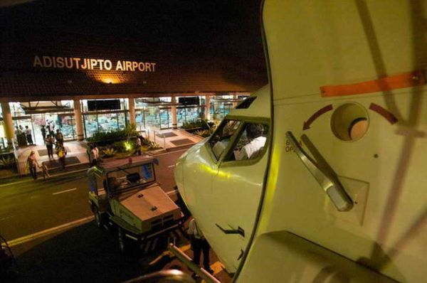 Bandara Adisutjipto mulai dipadati pemudik