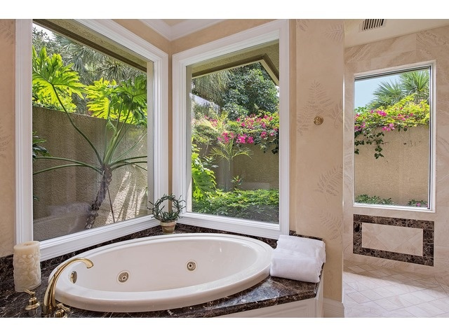 Traditional Bathroom - Garden View - Colliers Reserve - Naples, Florida