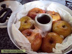 Le mele cotte senza zucchero sono semplici da preparare, si cuociono in forno o nel fornetto Versilia e poi si servono così o con yogurt, miele e cannella