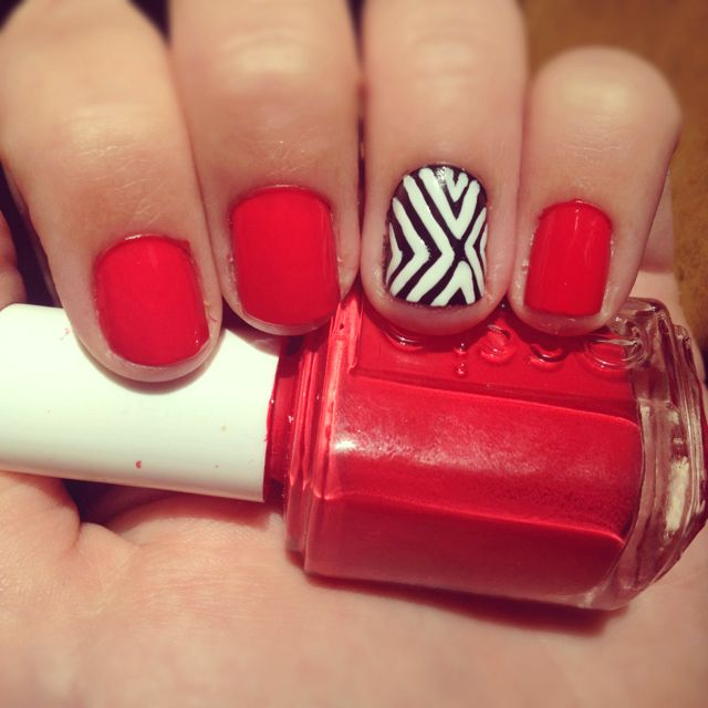 Nails: Nails Art, Cute Nails, Accent Nails, Rings Fingers, Black And White, Red Nails, Black White, Nails Ideas, Red Black